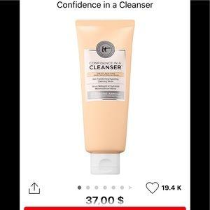 It Cosmetics cleanser